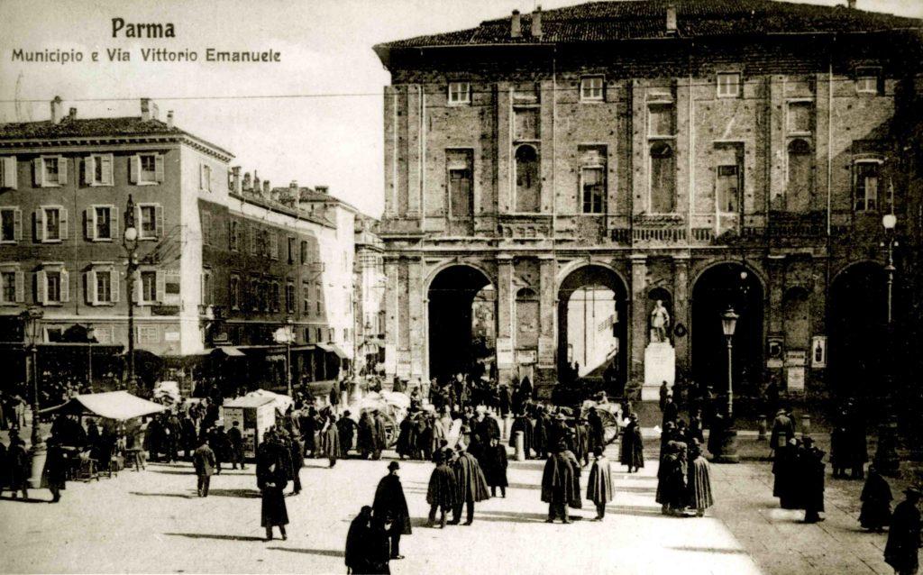 01.14 - Piazza Grande - Mercato - Tabarri