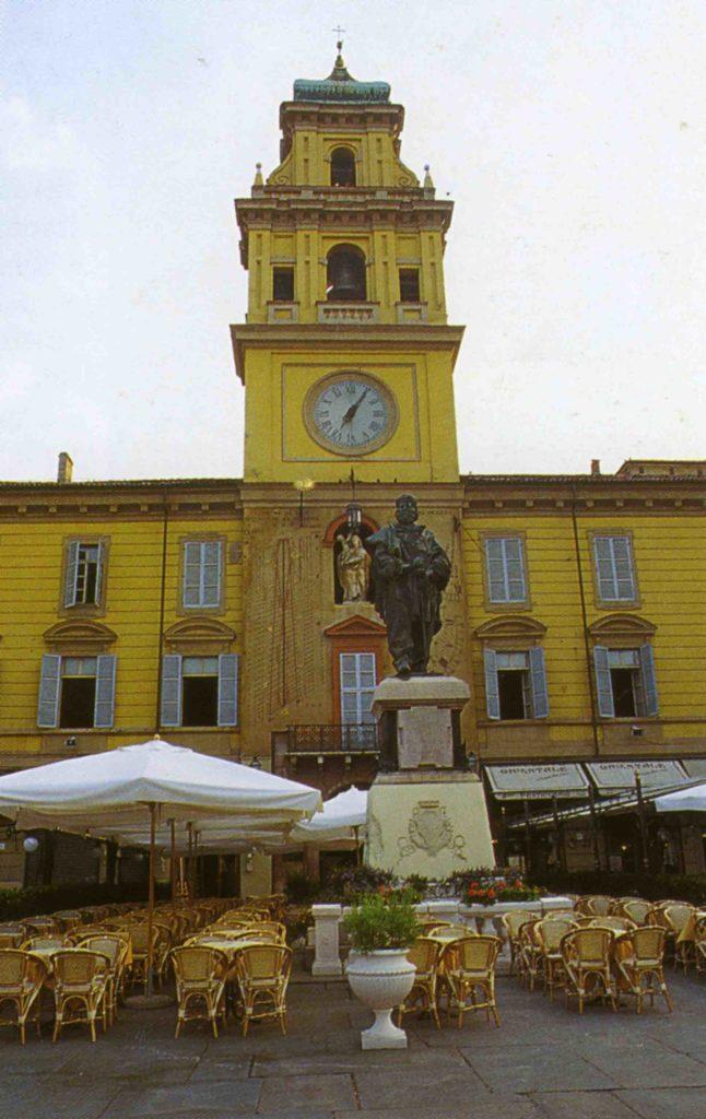 01.15 - Parma-Piazza Garibaldi oggi