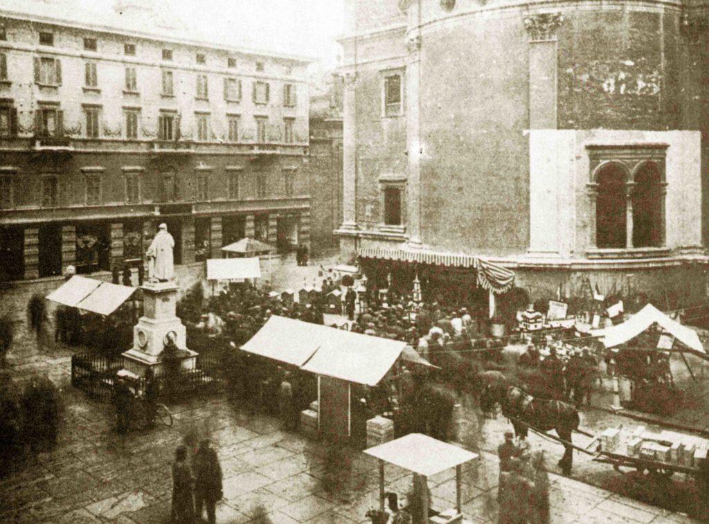 05.07 - Piazza Steccata mercato 16c